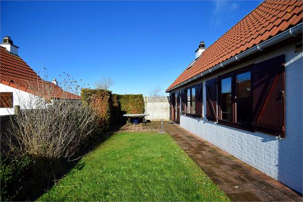 Fishermans house for sale |  with option - with restrictions in De Haan