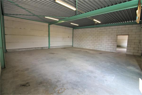 LOODS / GARAGE / STAPELPLAATS / STOCKAGERUIMTE