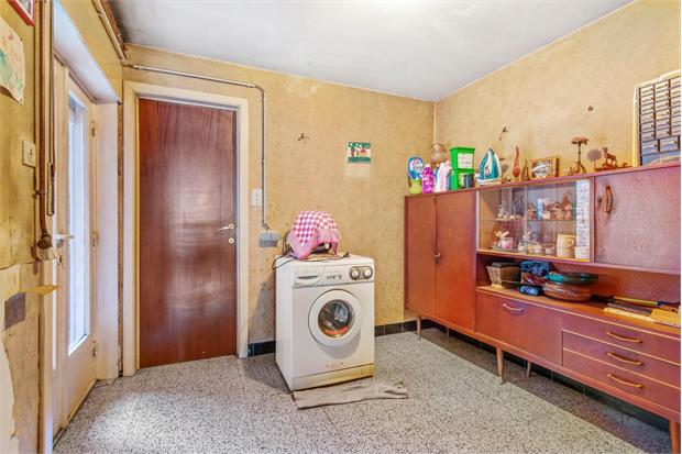 Te renoveren appartement 2 slpk