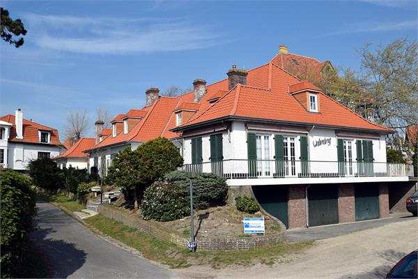 Villa for sale in De Haan
