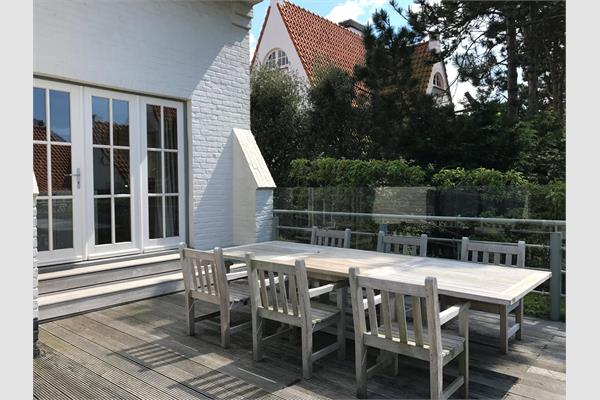Villa sold in De Haan