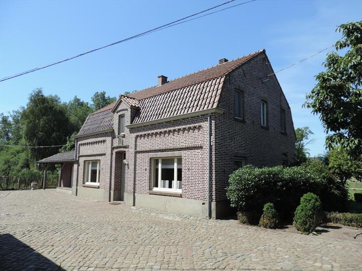 Charming farmhouse with old watermill, horse stables, indoor and outdoor arena on approximately 6,7 ha in Bocholt
