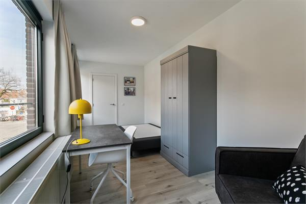 New furnished room available close to the historic center of Leuven in a quite neighborhood.