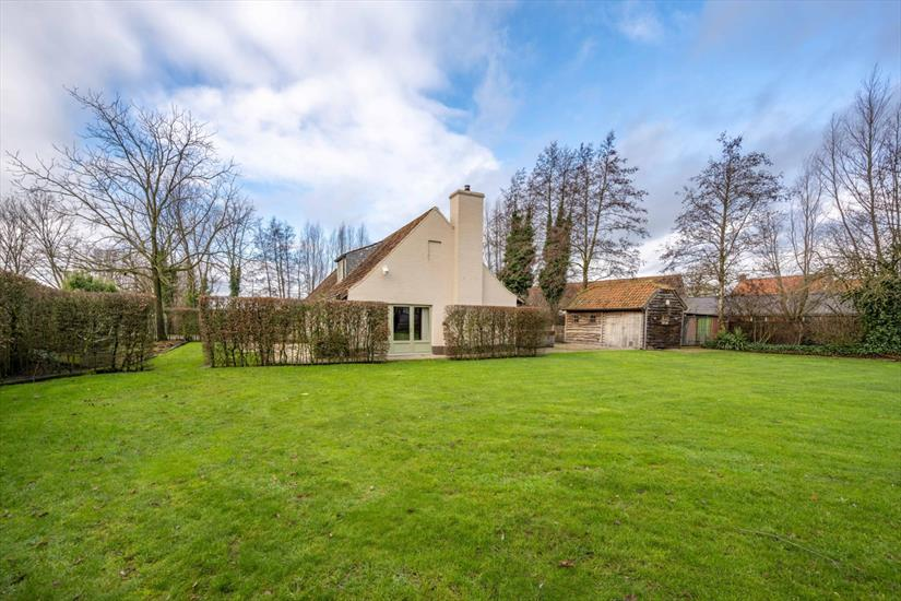 Country house sold in Ruiselede
