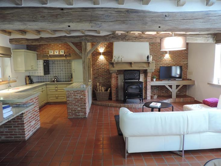 Renovated half-timbered farm on approximately 2,3ha in Hasselt