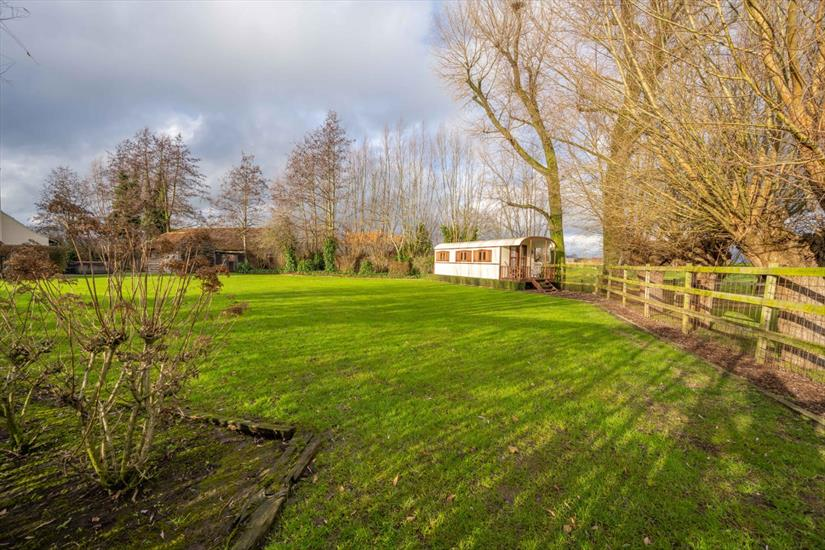 Country house for sale in Ruiselede