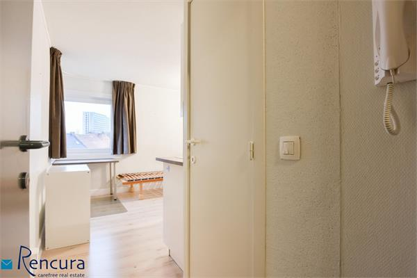 Furnished studio - Close to UZ Gent + parking space
